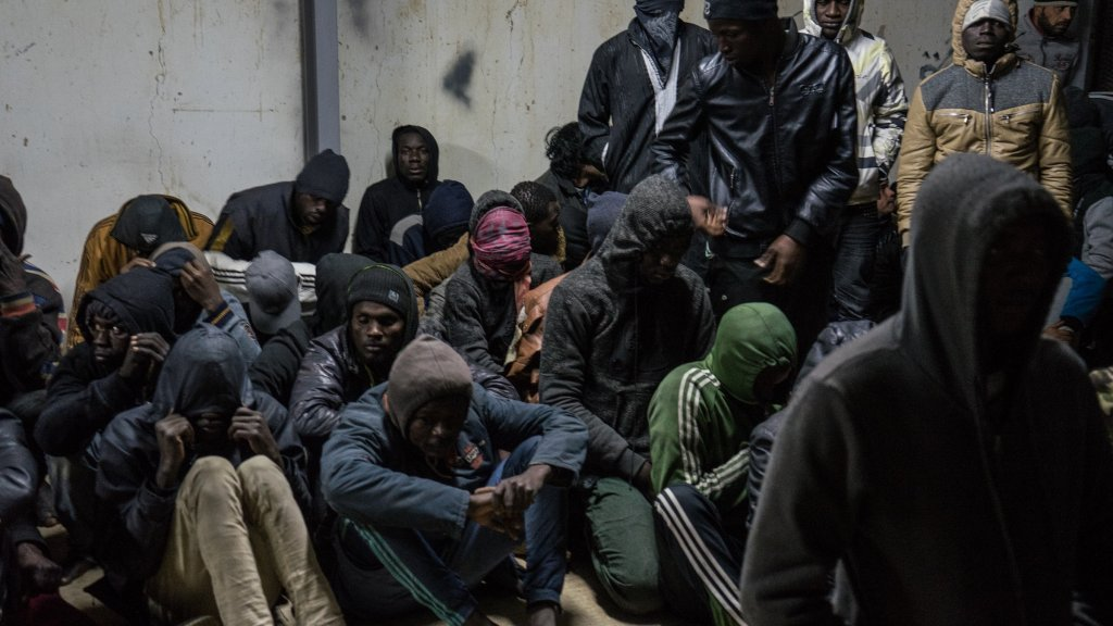 More than 350 migrants intercepted by the Libyan coast guard were returned to Libya and taken to detention centers, January 2018 | Photo : ANSA/Zuhair Abusrewil