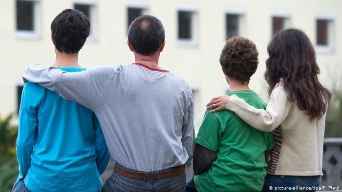 روند الحاق اعضای خانواده به پناهجوی متقاضی در آلمان بسیار به کندی پیش می رود/عکس: picture-alliance