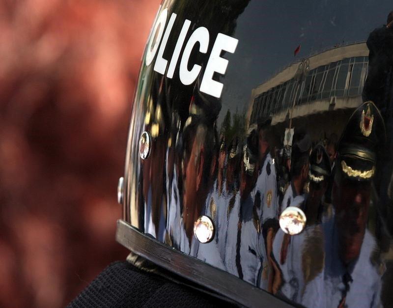 د ۲۰۱۱ د مې ۱۹مه: د البانیا پولیس. کرېډېټ: رویترز، اربن سېلي