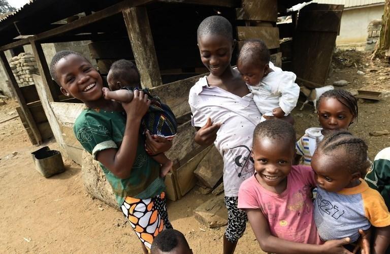 PIUS UTOMI EKPEI / AFP |Enfants camerounais réfugiés dans l'État de Cross River au Nigeria, en février 2018.