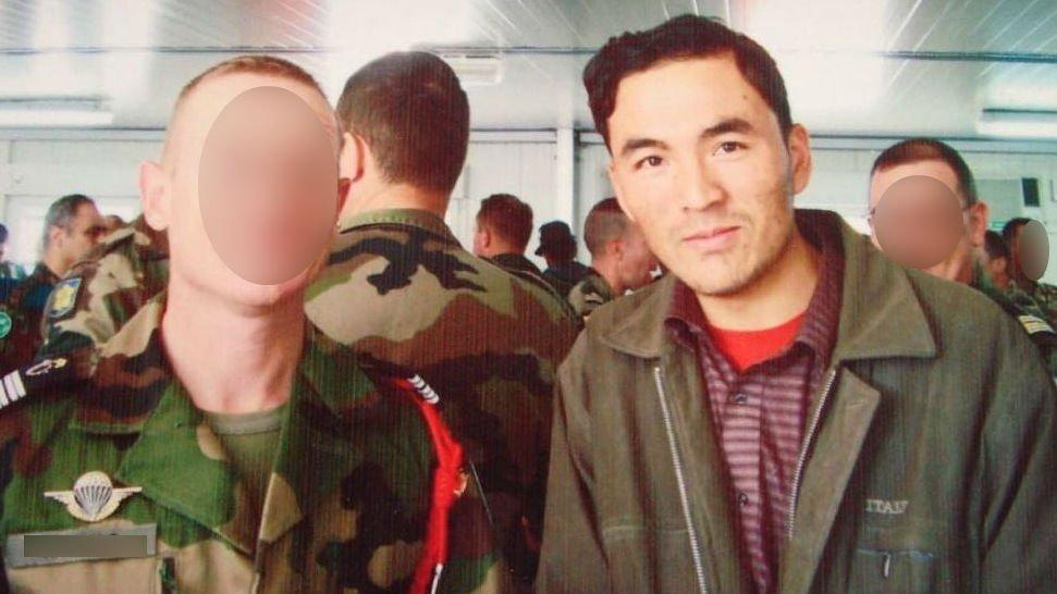 د فرانسوي پوځ یو پخوانی افغان کارکوونکی. کرېډېټ: عبدالرازق عادل