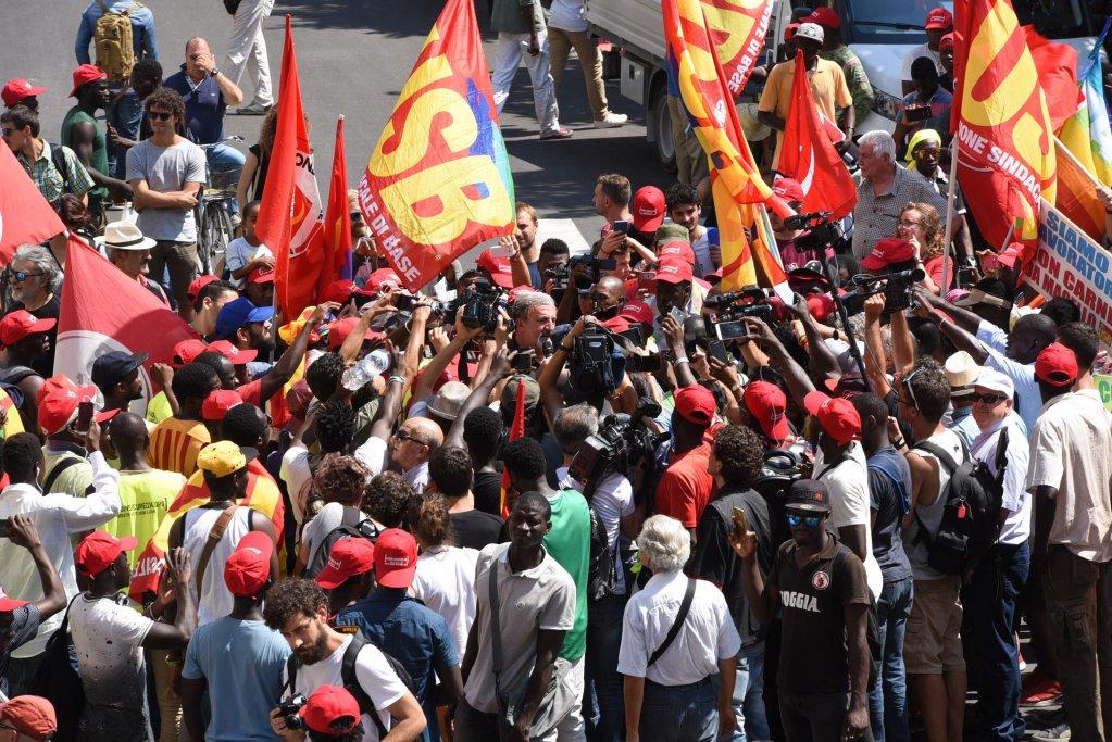 A demonstration of farm workers demanding more rights in Foggia, Puglia | Photo: ANSA/FRANCO CAUTILLO