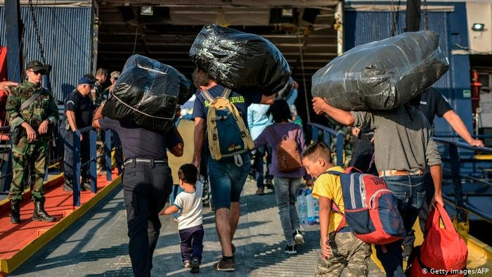 لاجئون في جزر يونانية
