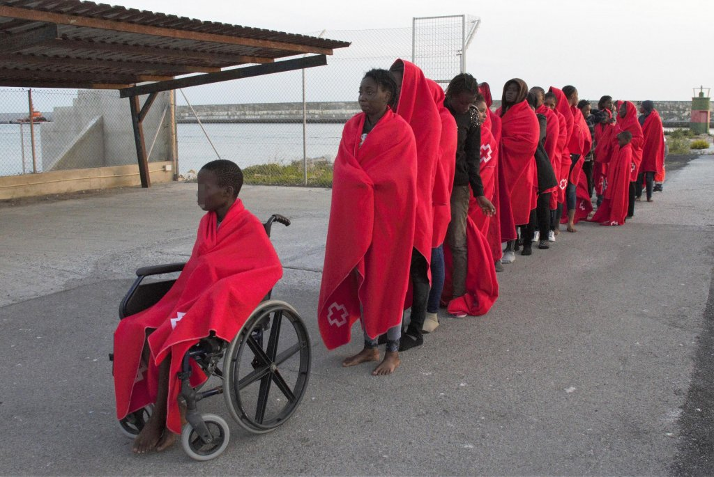 ANSA / حوالي 165 مهاجرا، من بينهم 10 قاصرين، يصلون إلى جنوب إسبانيا على متن قوارب صغيرة. المصدر: إي بي أيه/ البا فيكسيس.