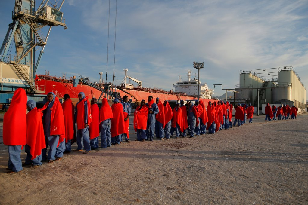 Image d'archives de migrants arrivant à Malaga, en Espagne, après avoir été secourus par les sauveteurs espagnols. Reuters