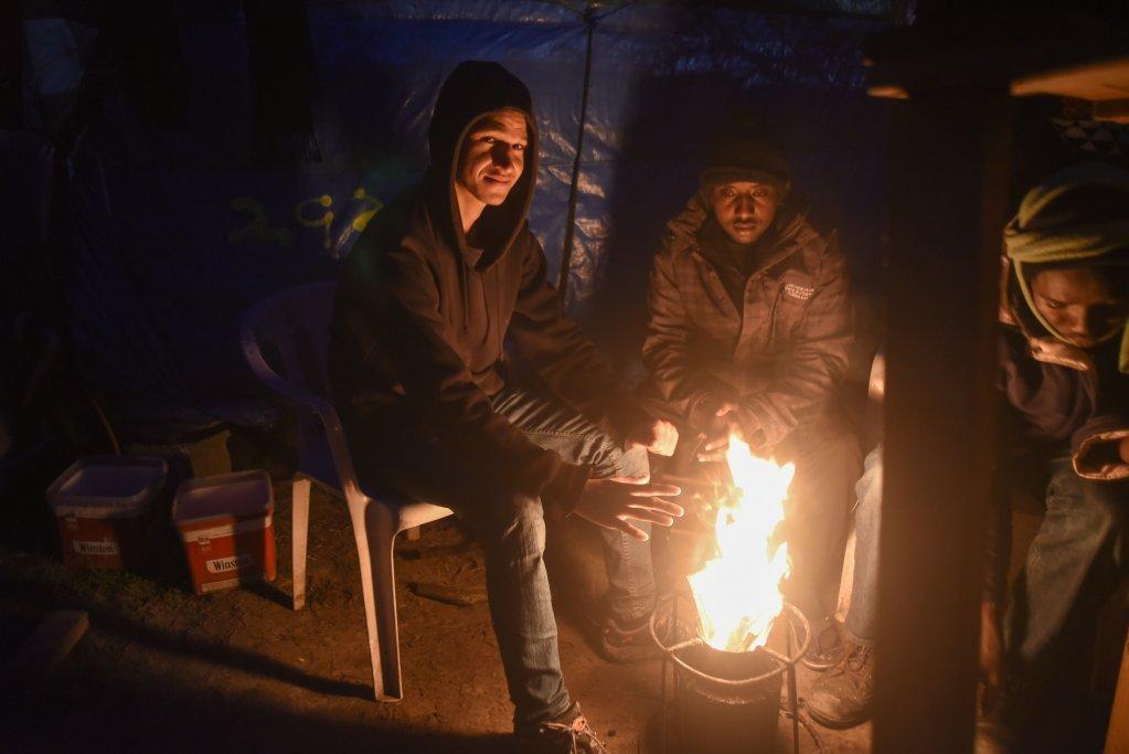 صدها تن مهاجر در جنگل کاله زندگی میکردند. عکس از آرشیف، مهدی شبیل