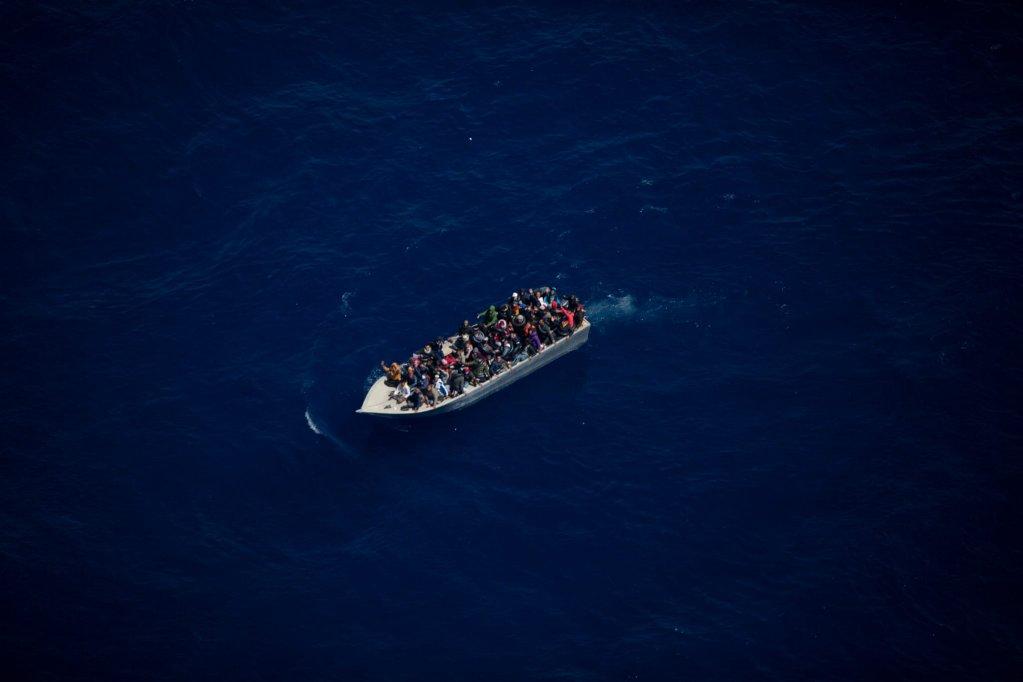 Les embarcations avaient été repérées par voie aérienne par l'organisation humanitaire Sea-Watch. Crédit : Twitter/Sea-Watch