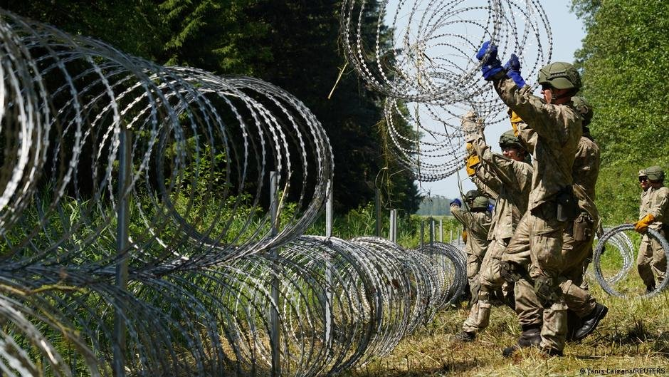 Lithuania said it would complete its border fence by September next year | Photo: Janis Laizans/Reuters