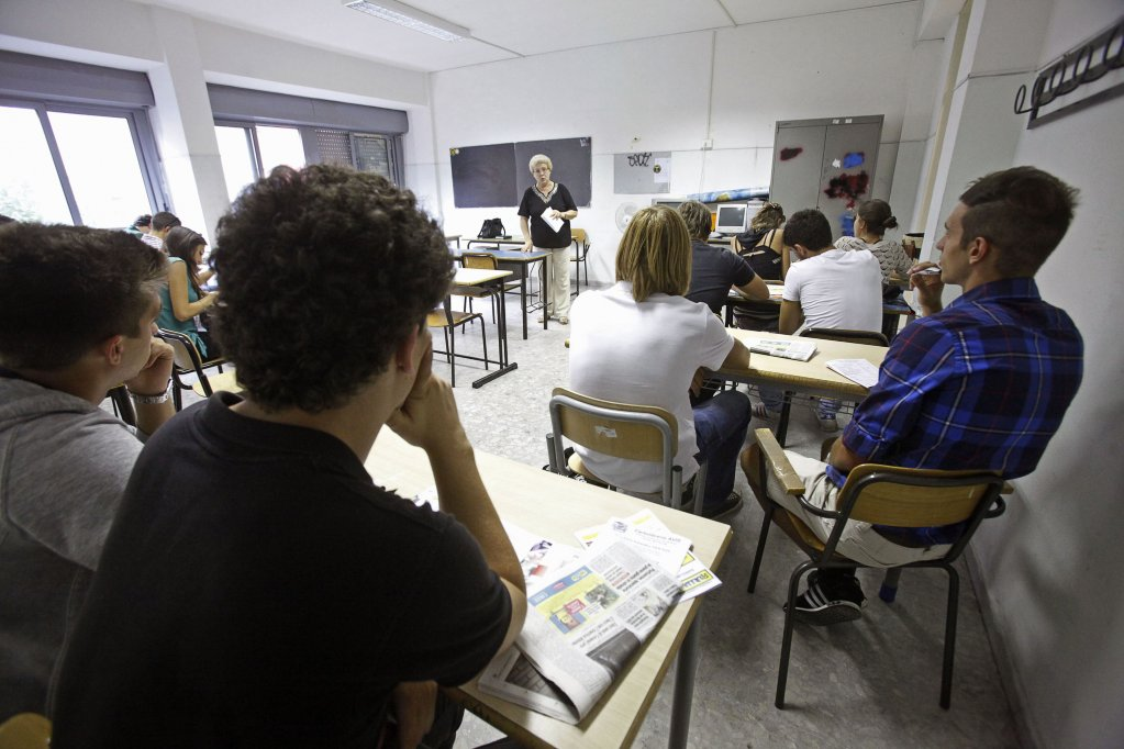 Inside a classroom on the first day of school at a Rome high school, 12 September 2011. ANSA/ALESSANDRO DI MEO
