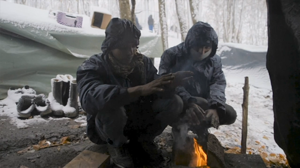Migrants in Bosnia fear they will not survive the cold winter weather | Source: Reuters