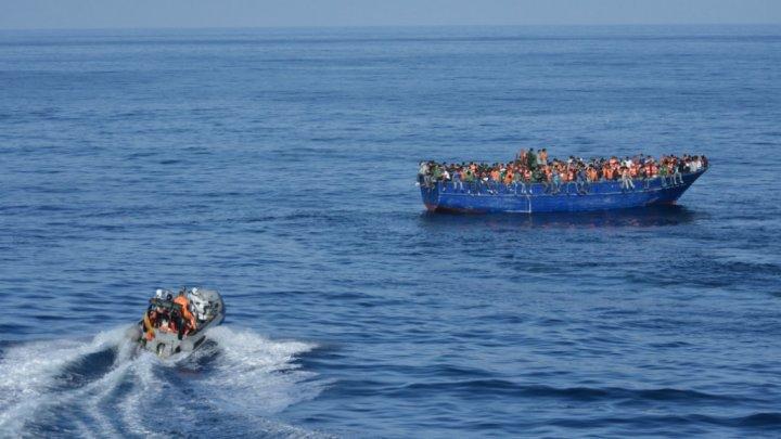 قارب يحمل مهاجرين في عرض المتوسط. أ ف ب / أرشيف