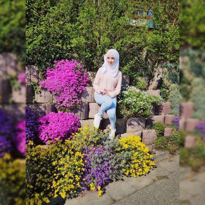 ماياز تأمل أن تعمل في مجال زراعة الزهور في المستقبل.