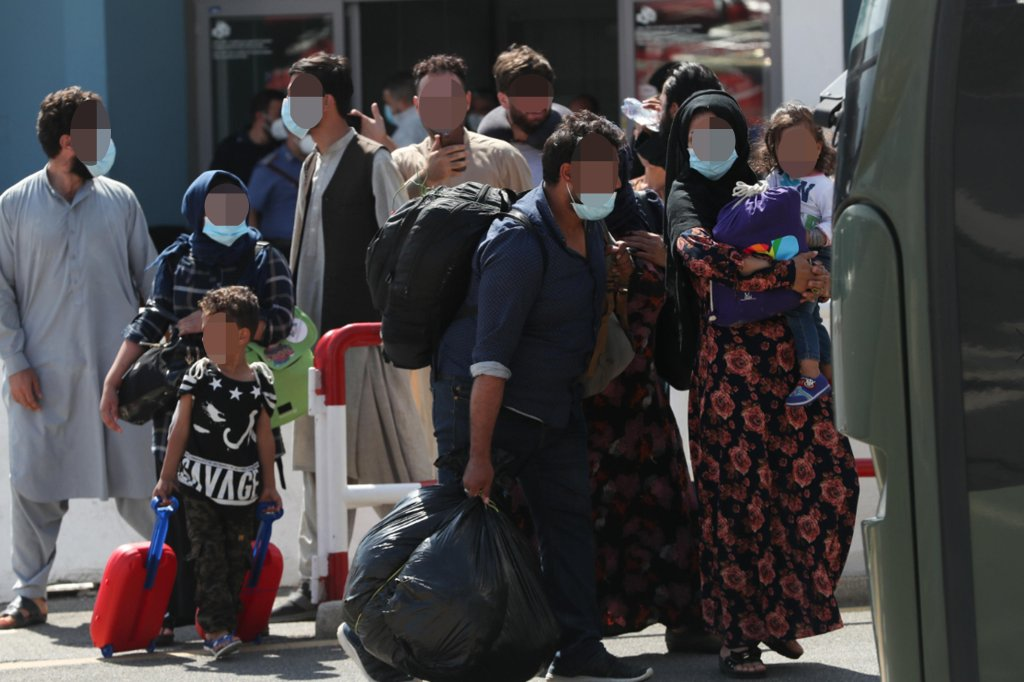 Transfer of Afghans who arrived in Rome on August 28, 2021 | Photo: ANSA/EMANUELE VALERI.