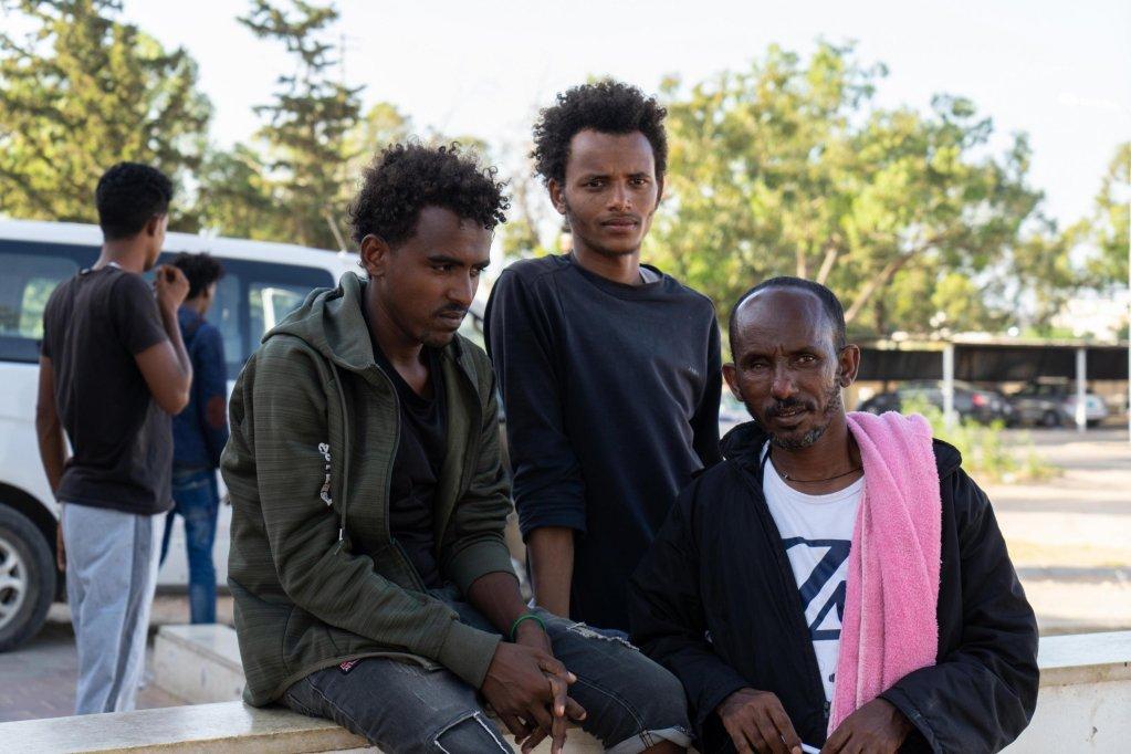 ANSA / مهاجرون بعد قصف مركز احتجاز تاجوراء في طرابلس. المصدر: أنسا/ زهير أبوسرويل.