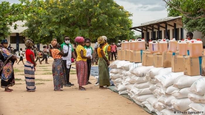 تعرضت بلدان مثل موزمبيق لحركات تمرد مسلحة بينما لا تزال تتعافى من الأعاصير القوية