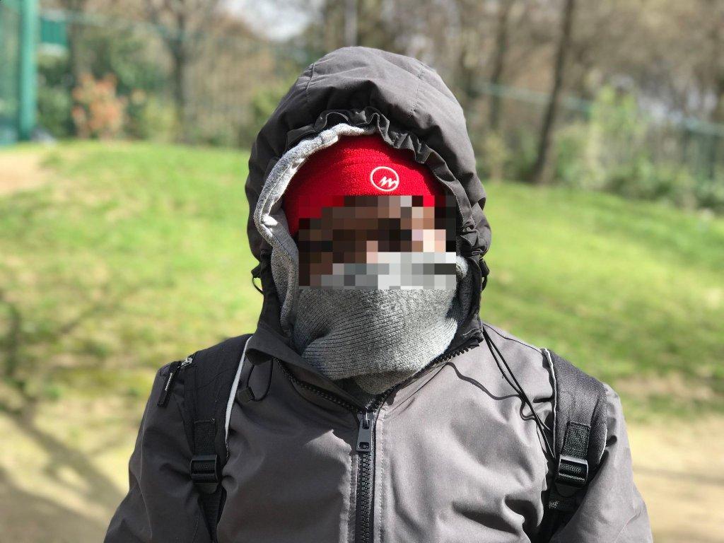 عبدالله مهاجر زیر سن در پاریس. عکس از: خجسته ابراهیمی.