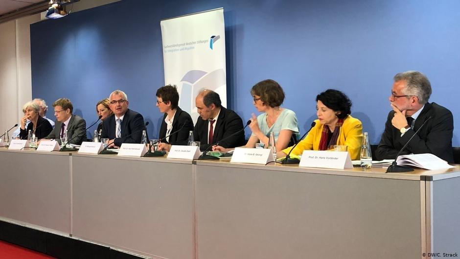 شورای کارشاسنان بنیادهای آلمان برای ادغام و مهاجرت به آلمان