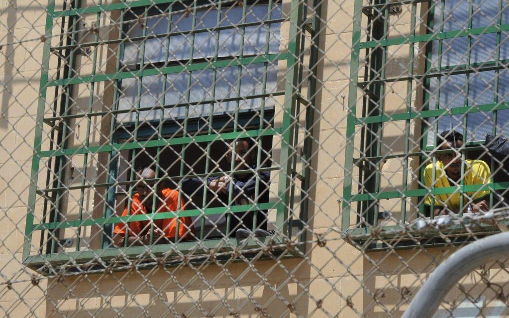 ANSA / لاجئون في أحد مراكز الاستقبال في مالطا. المصدر: إي بي إيه / لينو أريجو أزوباردي.