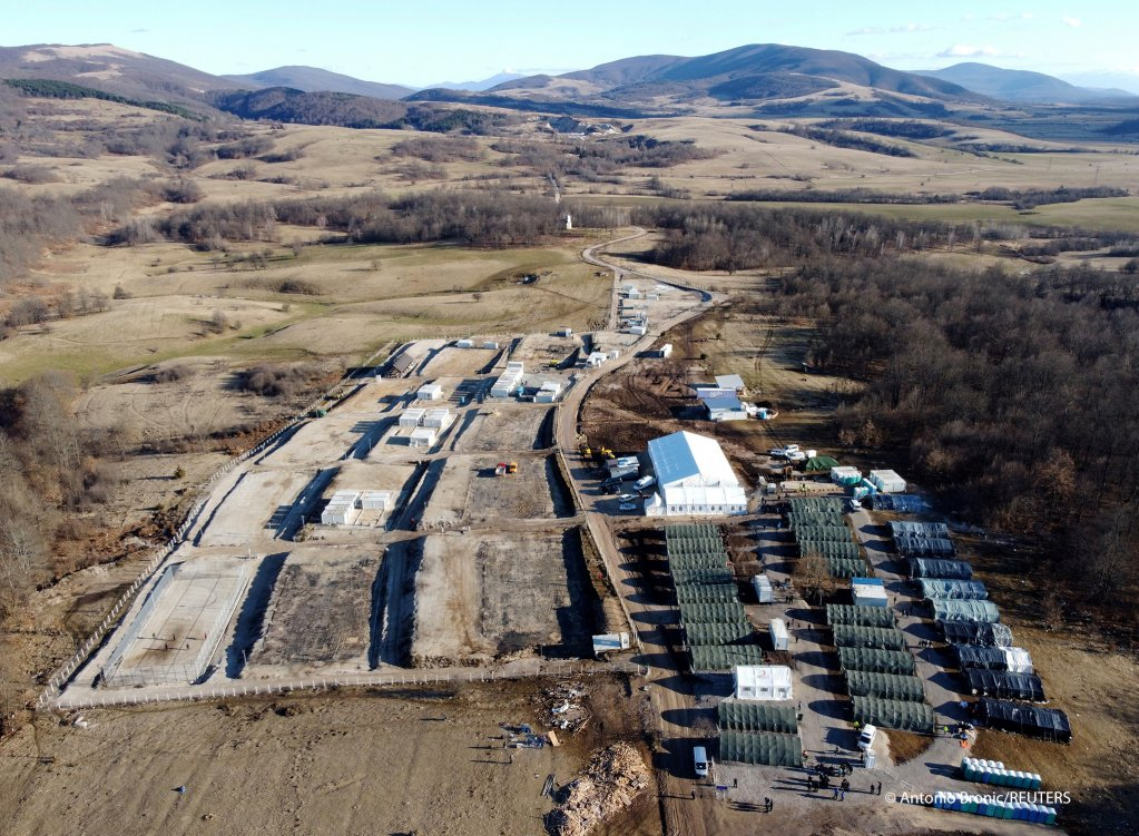 لپیا کمپ د بوسنیا بیهاچ ښار ته نږدې موقعیت لري. انځور: انتونیو برونیچ، رویترز، د ۲۰۲۱ د فبرورۍ ۱۸مه.