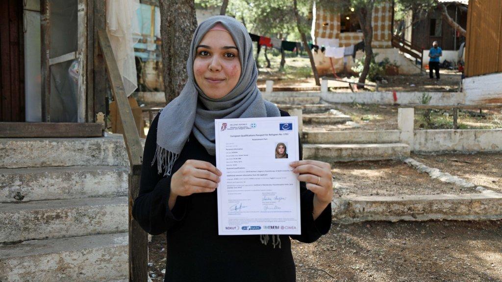 أنوار لاجئة سورية تواصل دراستها الجامعية بالنرويج