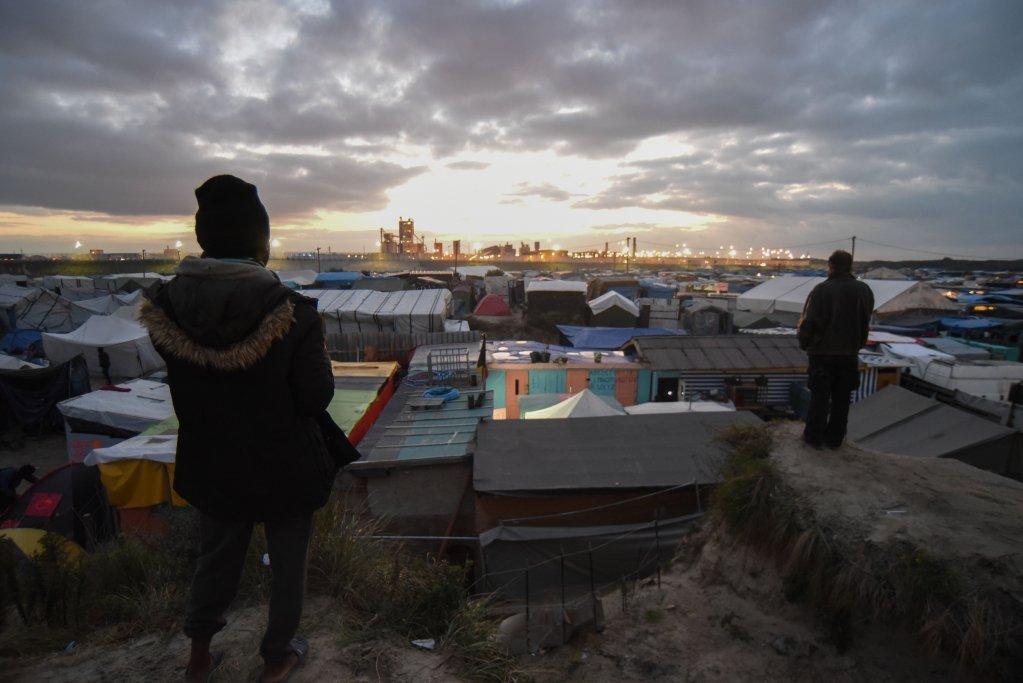 آرشیف: تصویری از اردوگاه مهاجران درجنگل کاله قبل از تخلیه. عکس: مهدی شبیل/ مهاجرنیوز