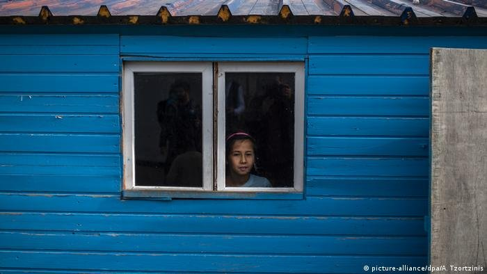picture-alliance/dpa/A. Tzortzinis |اللاجئون السوريون في دول الجوار ينتظرون مساعدات دولية