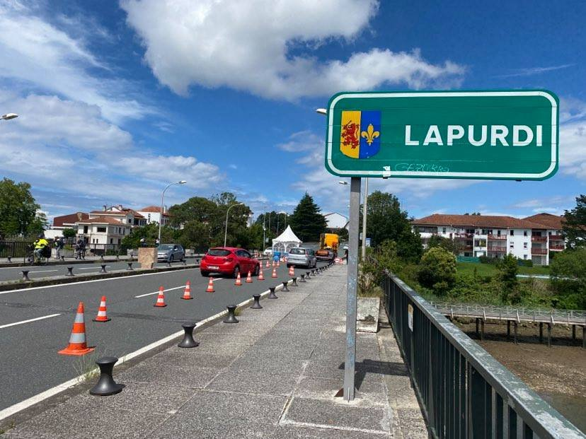 Le pont Saint-Jacques sépare la France de l'Espagne. Crédit : InfoMigrants