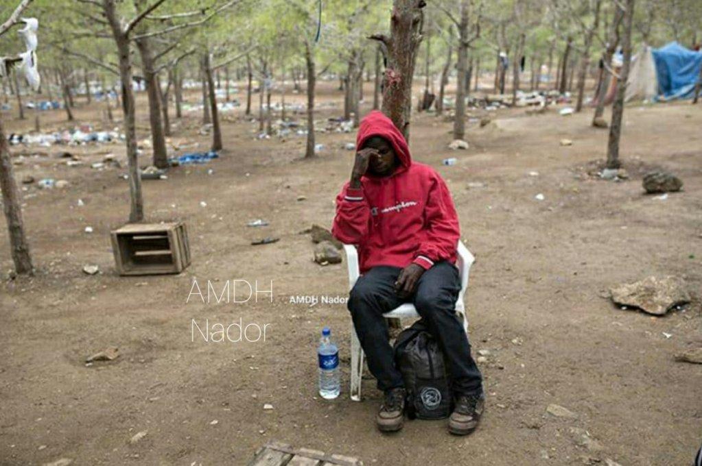 الحسن باي الشاب الغيني الذي توفي يوم الأحد في مخيم عشوائي بالناظور/AMDH