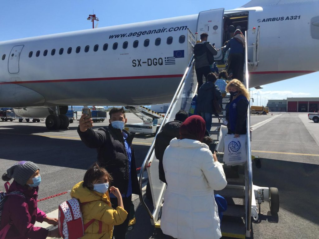 The flight from Lesbos to Hanover in Germany, tweeted by IOM Greece | Source IOM Greece Twitter feed @IOMGREECE