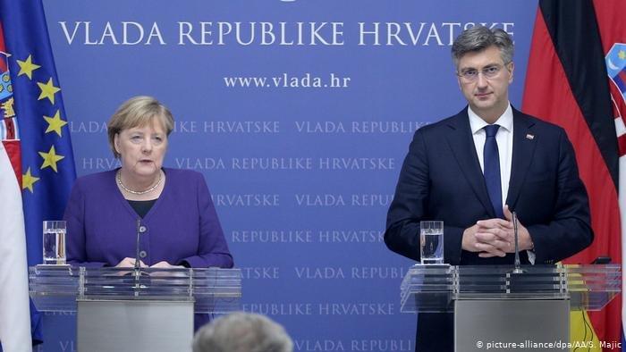 المستشارة ميركل مع رئيس وزراء كرواتيا.