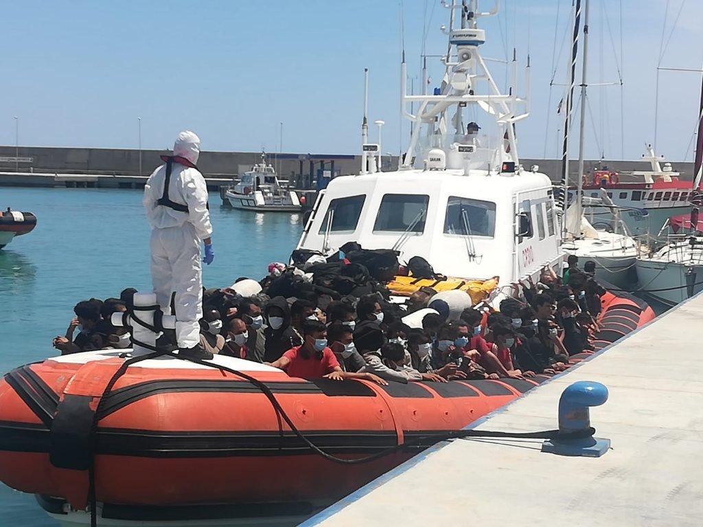 Migrants disembark in Roccella Ionica in May 2021 |  Photo:ARCHIVE/ANSA