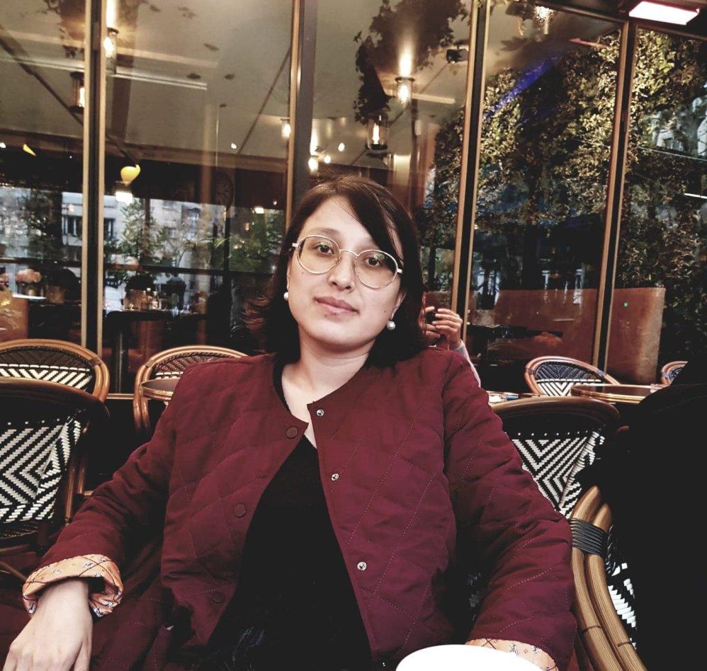 شهربانو سادات، سینماگر و کارگردان افغان. عکس از حسنیه انوری