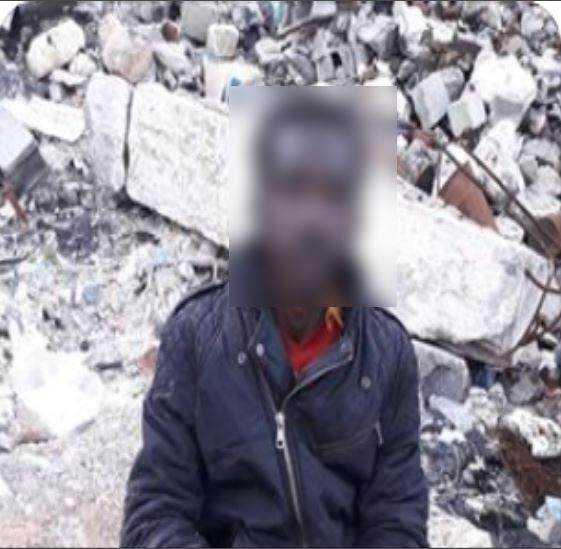 مهاجر سوداني يعيش في مكب النفايات في تاجوراء