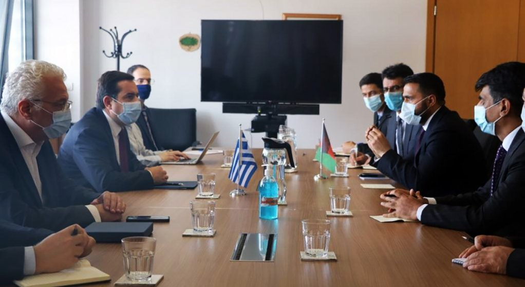 ملاقات معین وزارت خارجه افغانستان با وزیر امور مهاجرت یونان. عکس از صفحه رسمی وزارت خارجه افغانستان