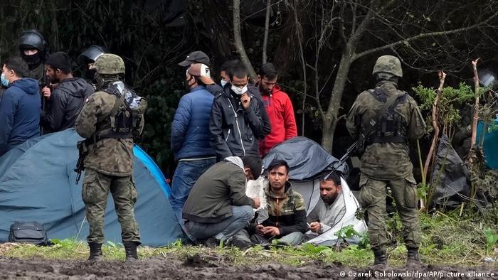 سرحدي پوليسو د پولنډ او سپيني روسيې پر سرحد مهاجر راګرځولي | Photo: picture alliance