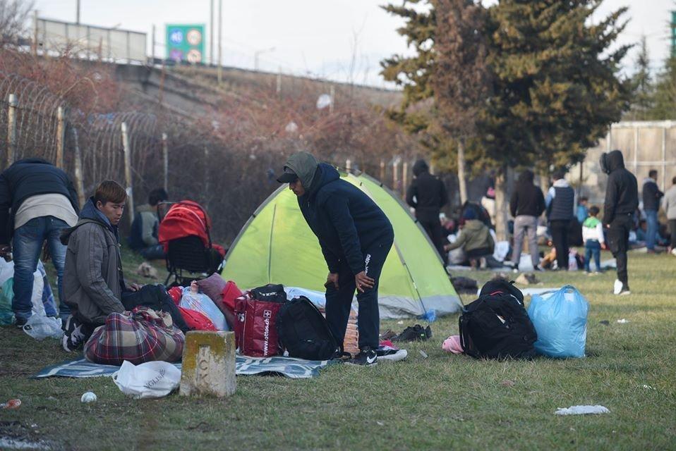 هزاران مهاجر در مرز ترکیه و یونان در انتظار و رود به اروپا به سر میبرند. عکس از رویترز
