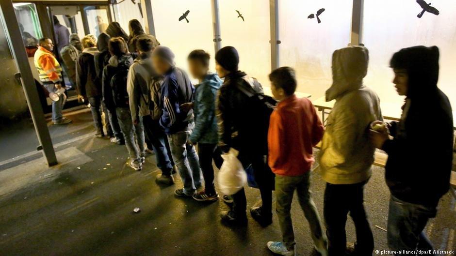 کودکان مهاجری که به تازگی وارد آلمان گردیدند. عکس از آرشیف