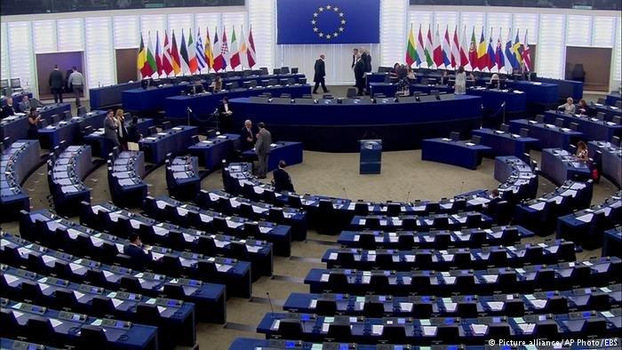 يعمل البرلمان الأوروبي بالتنسيق مع المجلس الاوروبي على تعديل سياسة اللجوء الأوروبية