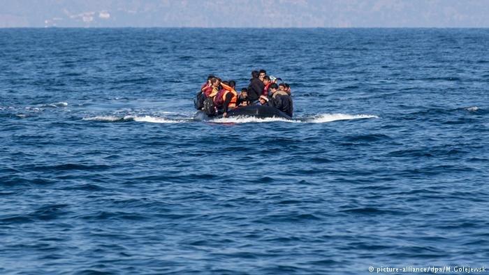 عکس آرشیف: پناهجویان در آبهای ترکیه