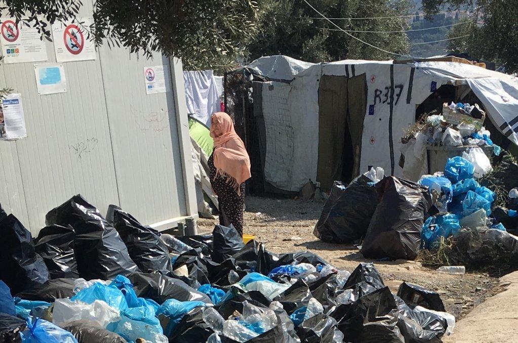 موریا کمپ کې کډوال په «غیرانساني» شرایطو کې ژوند کوي. کرېډېټ: کډوال نیوز