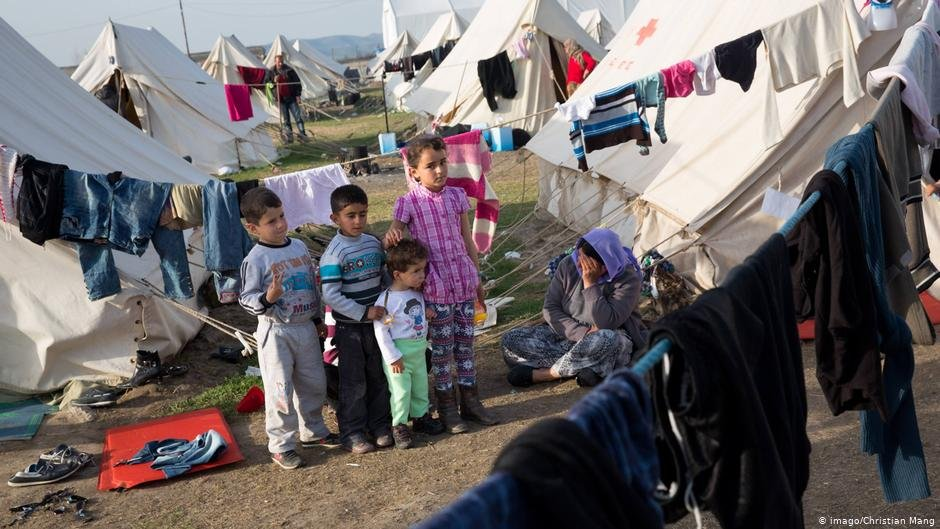 Refugee camps, like this one in Nea Kavala, Greece, are overcrowded and ill-equipped | Photo: Imago/Christian Mang