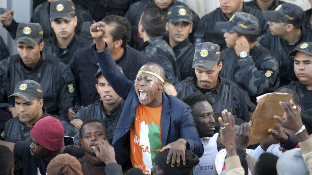 أ ف ب |احتجاج جالية ساحل العاج في تونس