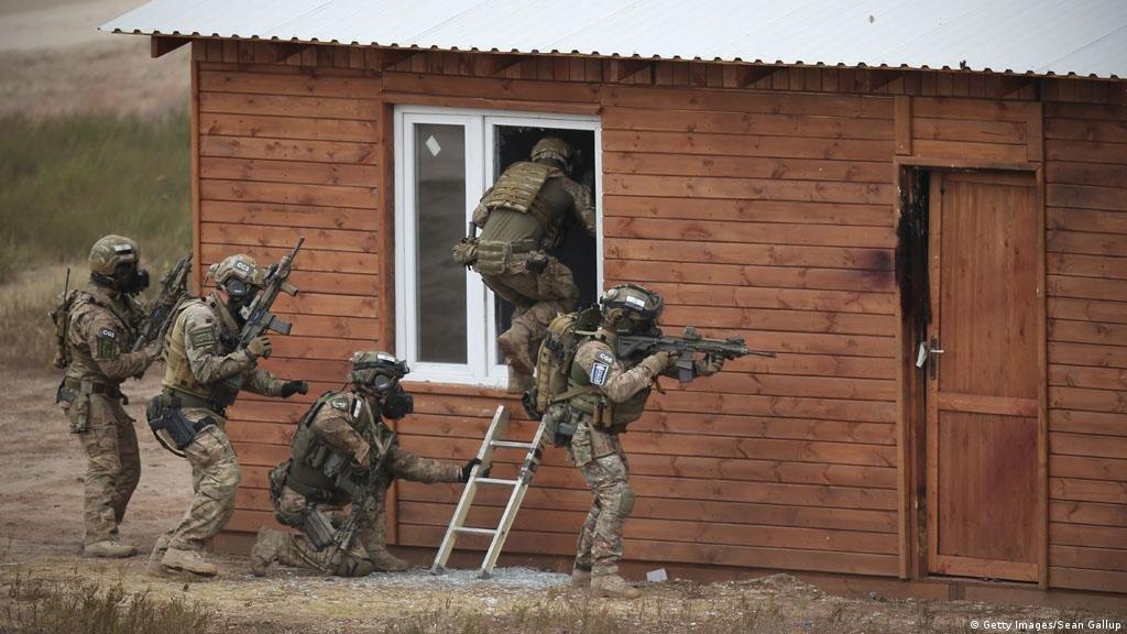 نیرو های واکنش بحران ناتو در جریان مانور نظامی شان در پولند