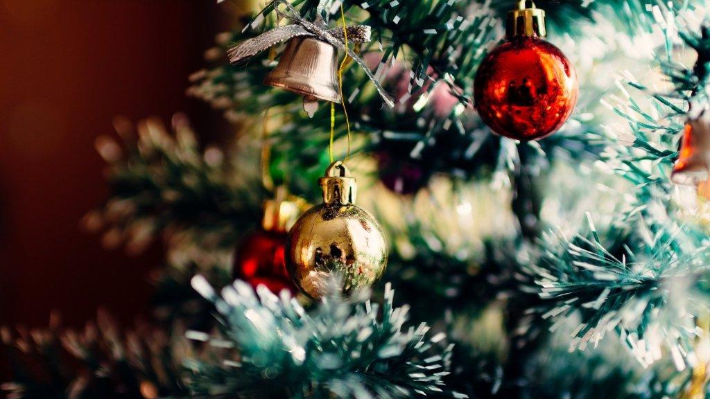 Des événements sont organisés pour les migrants et les réfugiés à l'occasion des fêtes de fin d'année. Crédit : Pixabay.
