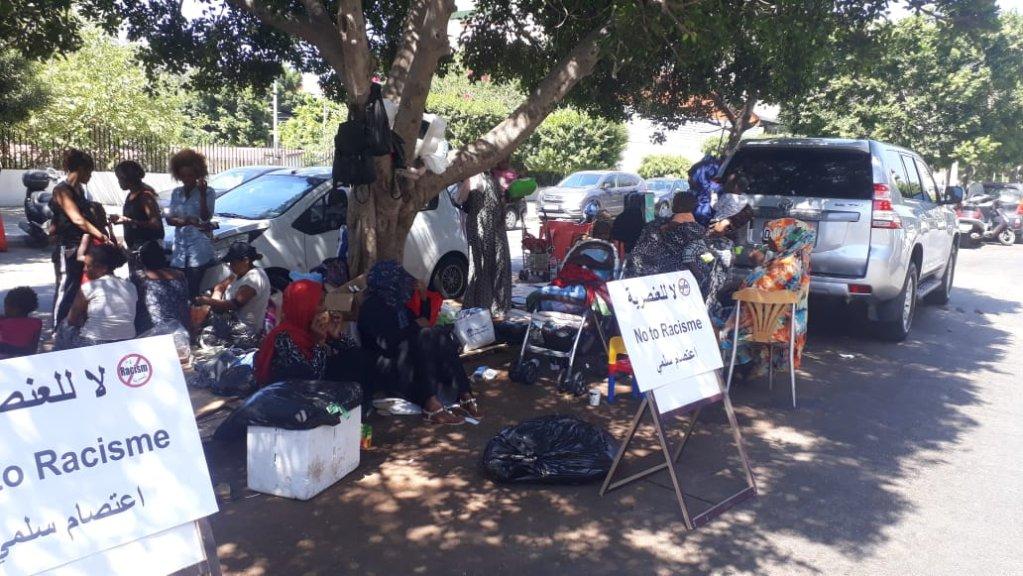جانب من الاعتصام المفتوح الذي نفذه مهاجرون أفارقة أمام مقر مفوضية اللاجئين في بيروت أواخر آب بدايات أيلول 2019