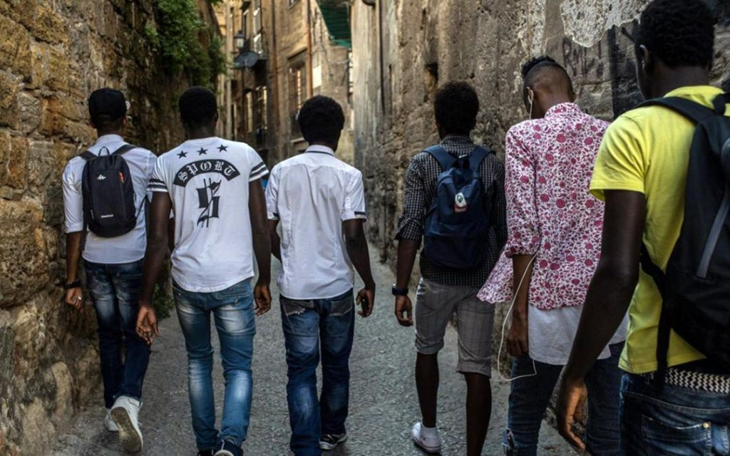 Young migrants going to work | Photo: Programma Integra