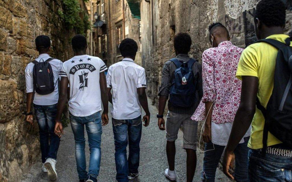انخفاض أعداد طالبي اللجوء القاصرين إلى أكثر من الثلث