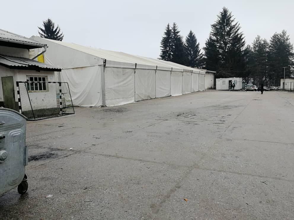 بلاژوی کمپ د بوسنیا پلازمېنه سراییوو کې موقعیت لري. کرېډېټ: دي ار