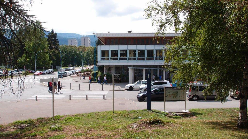 صورة من الأرشيف لحرم جامعة غرونوبل جنوب فرنسا