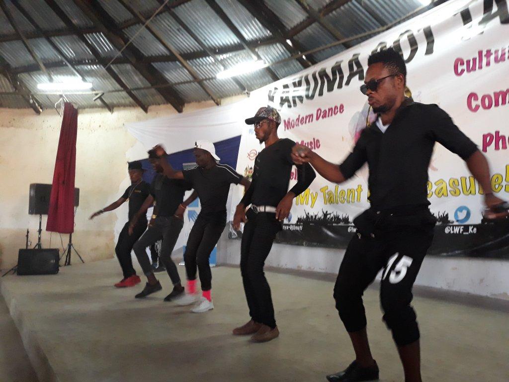 RFI/sébastien Nemeth |Dans le camp de réfugiés de Kakuma, les migrants préparent le concours «Kakuma Got Talent» pour montrer leurs talents artistiques, décembre 2018.
